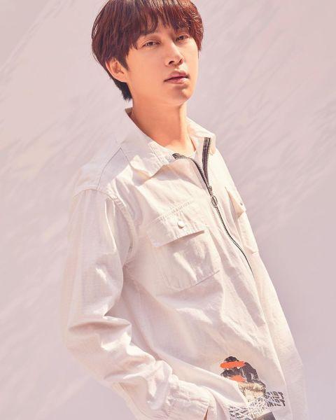 只要剪发就会引来「欢呼」的男偶像! SJ希澈着校服更新SNS 粉丝:「一早被帅醒了」 - KSD 韩星网 -116940-737501