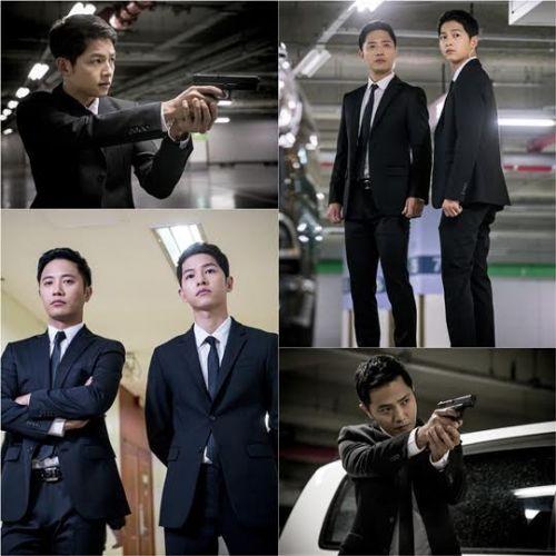 《太陽的後裔》劇照公開 宋仲基晉久重返首爾