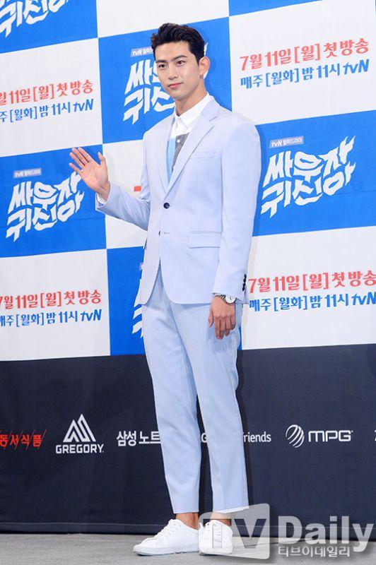 2PM玉泽演:《打架吧鬼神》为入伍前最后一部作品 全力以赴地拍摄了