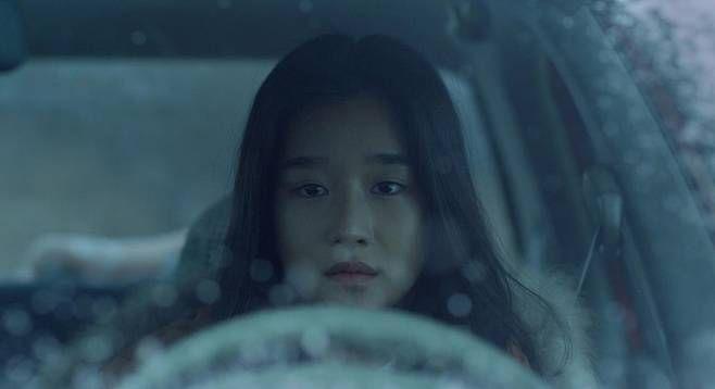 拍戲不要命!導演要求燒炭自殺戲來真的?!徐睿知大呼:您是要我現在死嗎?