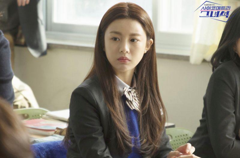 《太阳的后裔》&《鬼怪》导演钦定她为新剧女主角,第2部剧就能演主角?看完脸你就明白了~