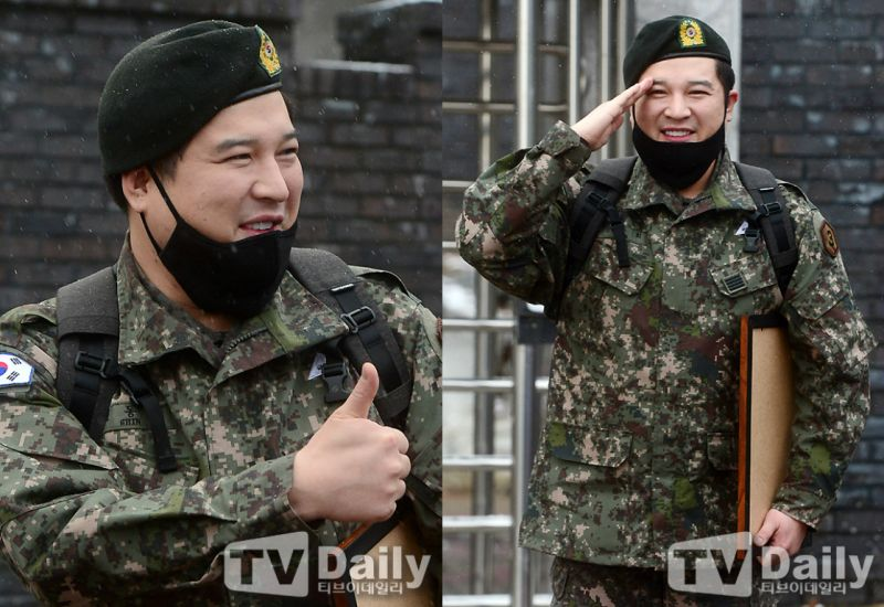 Super Junior神童今日退役 利特&粉絲冒雪到場迎接