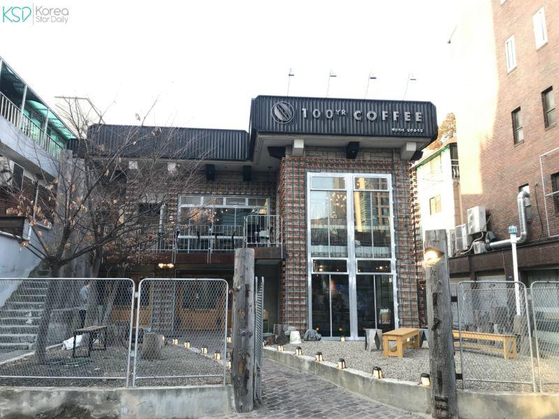 弘大工業風的百年咖啡廳:100yr Coffee