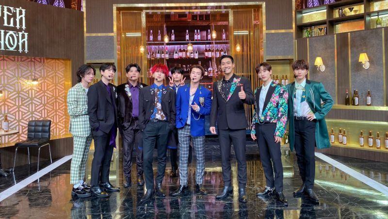 SHINee珉豪探班Super Junior!一個人獨佔9名哥哥的懷抱,果然是被SJ養大的孩子!