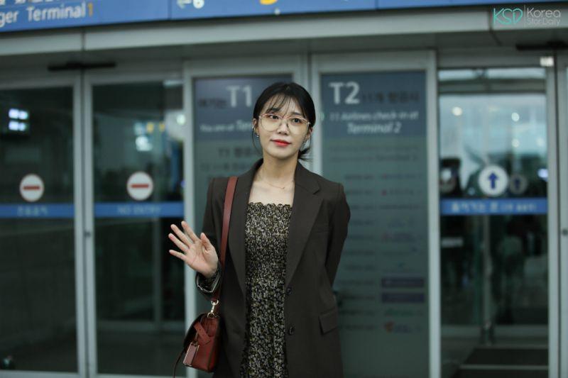 Apink 郑恩地今日由仁川出发前往泰国举办个人演唱会!