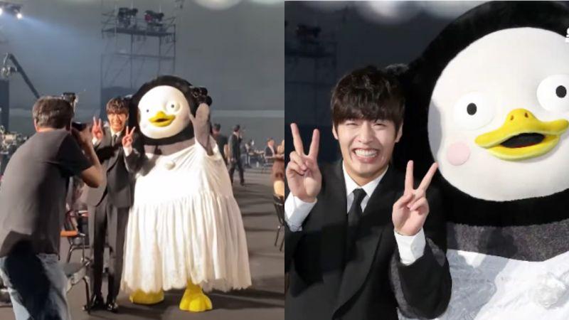 姜河那在《百想》頒獎禮上看到Pengsoo:超開心打招呼&求合照!XD