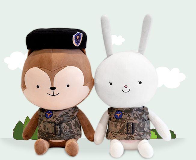 還沈浸在劉大尉的魅力裡?趕快抱一隻穿上軍服的狼君回家吧!