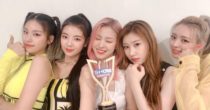 ITZY 蟬聯《Show Champion》冠軍 再創「連三冠」紀錄!