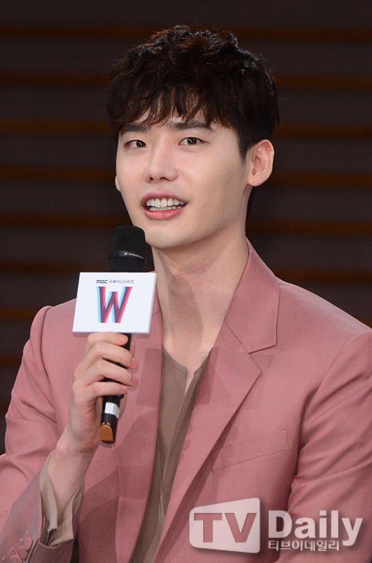 李鍾碩:雖然YG很好,但是食堂的飯卻……