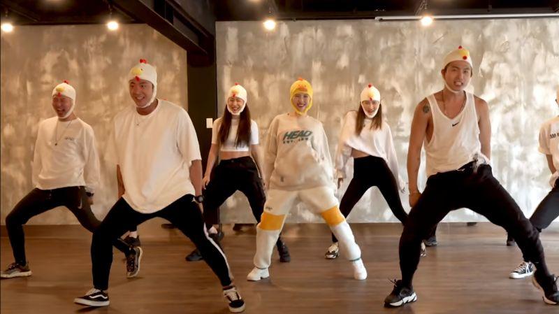 宣美變身超萌小黃鴨,大跳新歌《LALALAY》就是要獻給粉絲miya-ne的