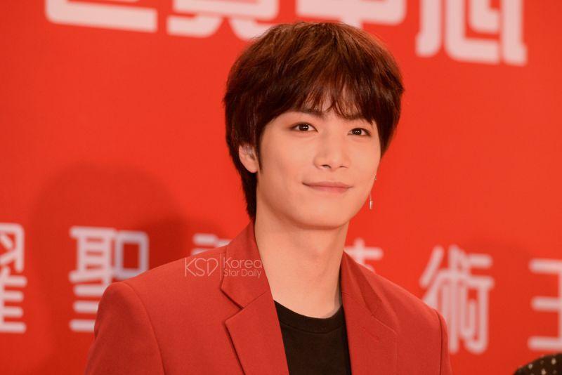 NU'EST W成员JR(金钟炫)首次个人身分访港举行个签唱会 与粉丝提前过圣诞!