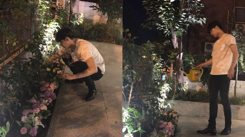 太暖心了!为了让粉丝们送的花可以活久一点,李钟硕亲手将它们种进花池!