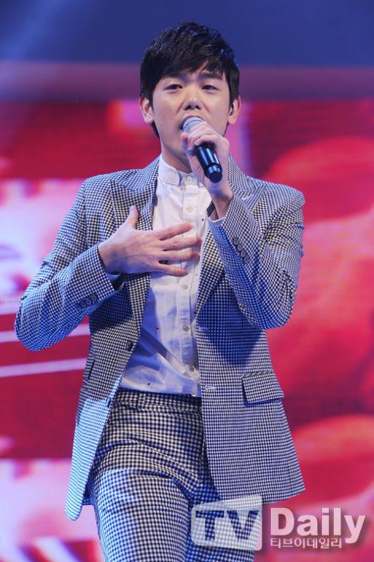 CJ E&M新簽約歌手ERIC NAM女團SPICA 揮別鄭俊英