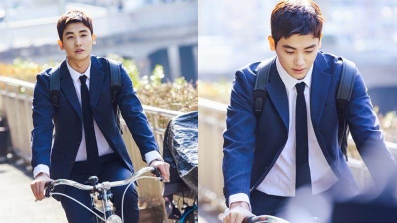 朴炯植《金装律师》剧照公开!超强记忆力的新人律师,连骑自行车也非常帅气!
