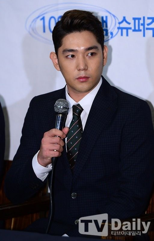 Super Junior强仁将主持《SHOW CHAMPION》