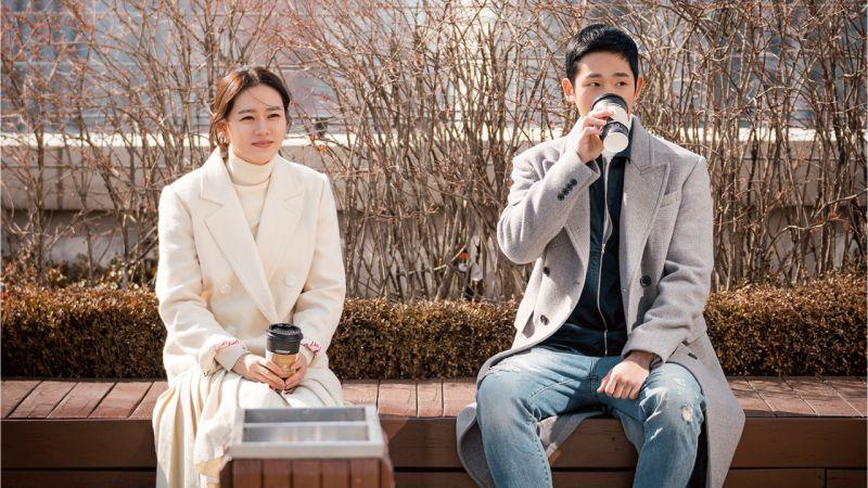 情人節撒糖!孫藝珍、丁海寅主演《經常請吃飯的漂亮姐姐》首張劇照公開!