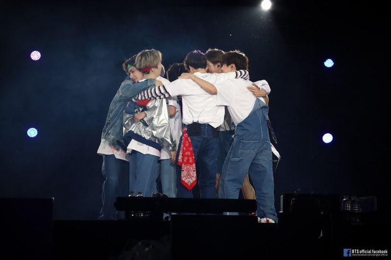 海外阿米看过来! BTS防弹少年团全球巡演最终场,10月底全球直播!