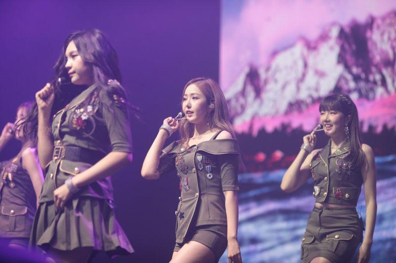 Gfriend來港演出 唱出香港經典女生組合廣東歌《心急人上》