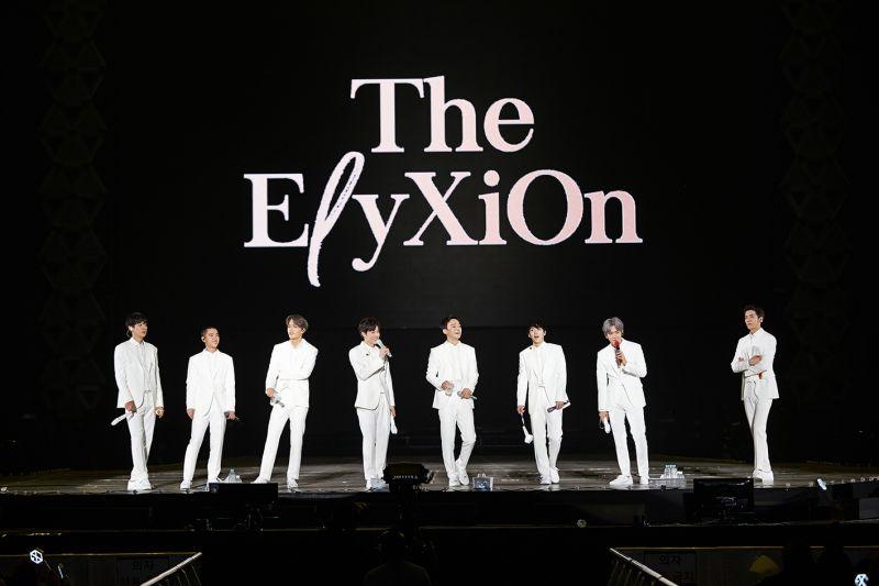 EXO的第4次巡回演唱会香港站确定於6月2-3日举行!