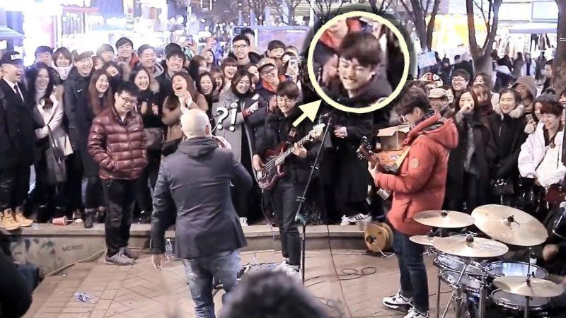 【有片】观看次数超4千万的首尔弘大街头演出!随机捡中学生贝斯手上台,结果竟然超强!