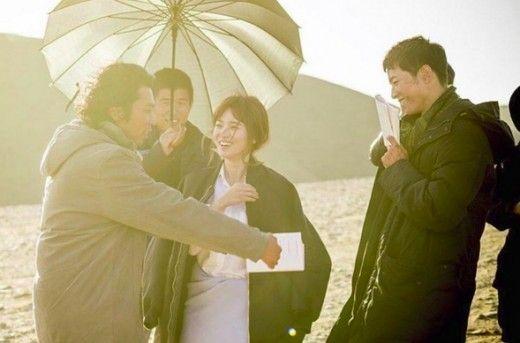 宋慧喬分享《太陽的後裔》幕後照 「宋宋CP」勾粉絲回憶