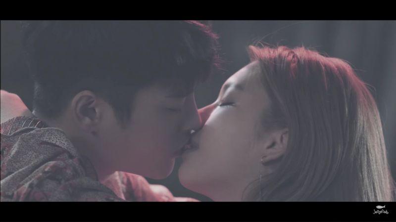 徐仁国金珍京浪漫的一秒吻技  《属於你的季节》预告二公开