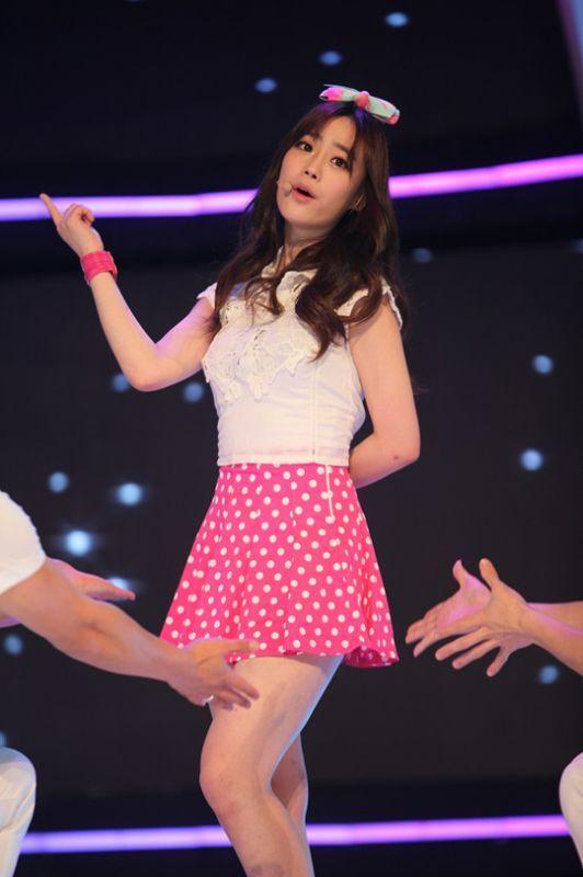Kara新成員確定!YOUNG JI:清純外表加舞蹈實力