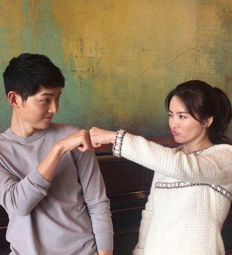 宋慧喬親自公開與宋仲基的香港行美照