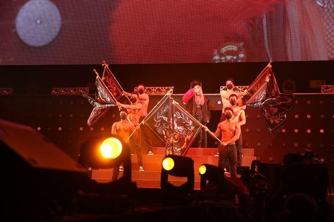 CL擔任日本時裝秀演出嘉賓 Girl's Crush大爆發