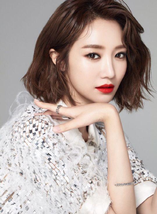 高俊熙正式簽約YG 與姜棟元、李鍾碩成為一家人