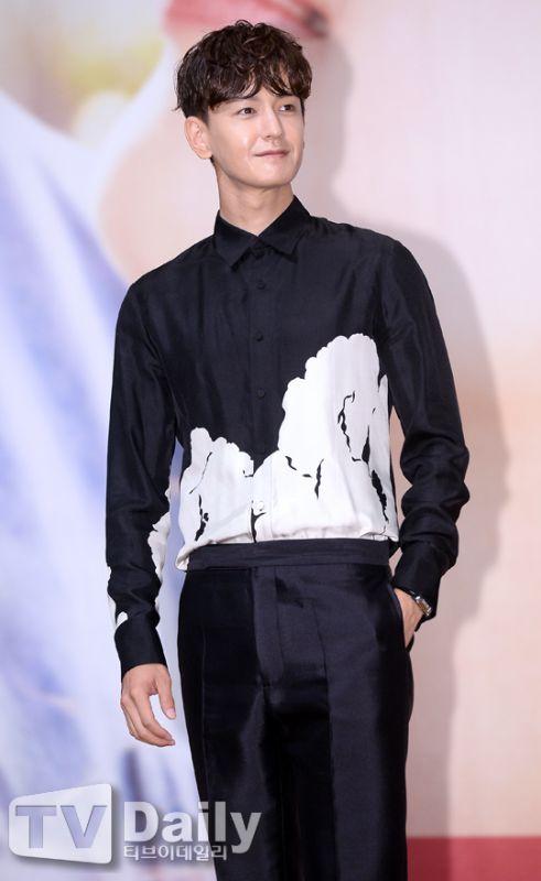 林周煥有望出演tvN漫畫改編新劇《河伯的新娘2017》