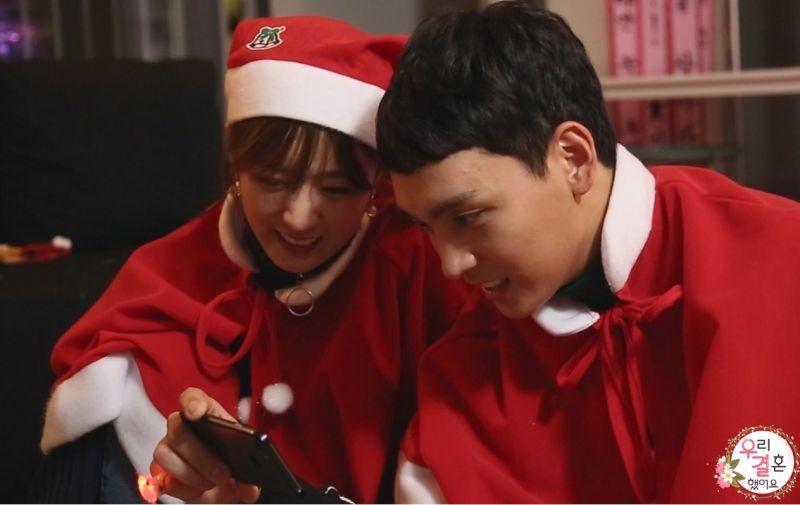 《我们结婚了》崔泰俊、尹普美圣诞拍摄现场照曝光