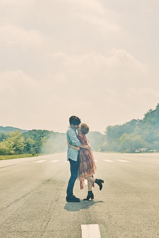 徐仁英公開新歌《被你擁抱》花絮照 驕陽下甜蜜擁吻