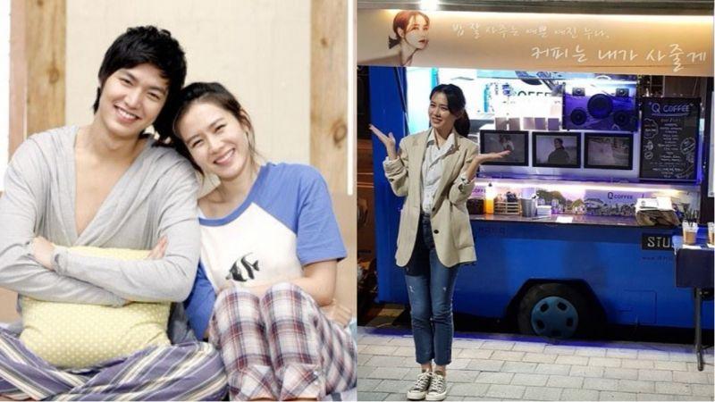 李敏鎬為孫藝珍送上應援咖啡車!還在橫幅寫著:「經常請吃飯的漂亮藝珍姐姐,我給你買咖啡!」