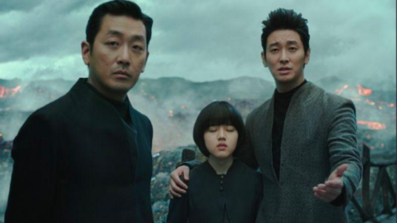 「叔叔」河正宇184cm「欧巴」朱智勋188cm,娇小金香奇合影有绝招