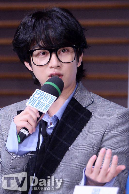 希澈代班主持《人歌》感觸多 「以後 SJ 也要像水晶男孩大哥一樣帥!」
