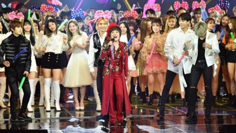 【有片】讓EXO&BTS&TWICE都淪為了伴舞的金蓮子《AMOR FATI》,這簡直就是大型群High蹦迪現場啊