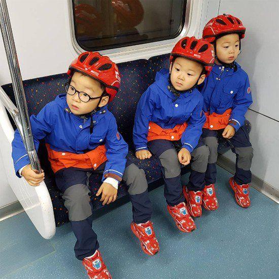 三胞胎长大啦! 和宋爸爸坐地铁