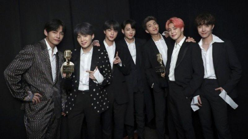 BTS防彈少年團在「BBMAs」奪兩獎!RM:「我們依舊是六年前的那群男孩,懷抱著相同的夢想和想法!」