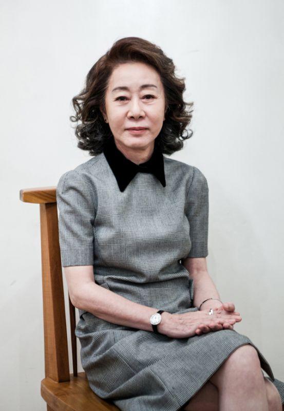 花樣姐姐尹汝貞加盟Hook娛樂 與李瑞鎮、李昇基成一家人
