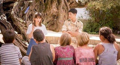 《太陽的後裔》宋慧喬宋仲基   劇照中展現最美主角搭配