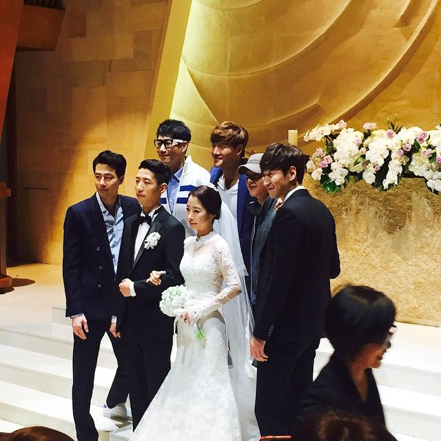 李光洙亲妹妹於昨日(28日)完成婚礼 RM成员、赵寅成和宋仲基到场祝贺