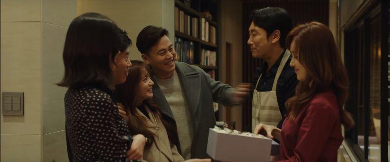 集結柳海真、趙震雄、李瑞鎮等人的電影《完美的他人》公開首波預告!「我們之間真的都沒有秘密?」