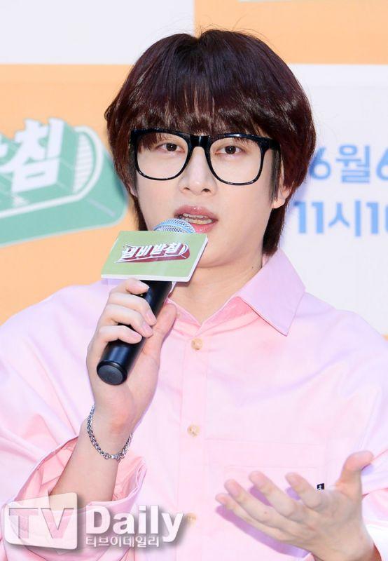 Super Junior希澈更新Instagram头贴 粉丝:真的是不忘初心!