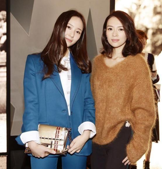 Krystal、章子怡共同出席时尚秀 中韩美女亲密同框