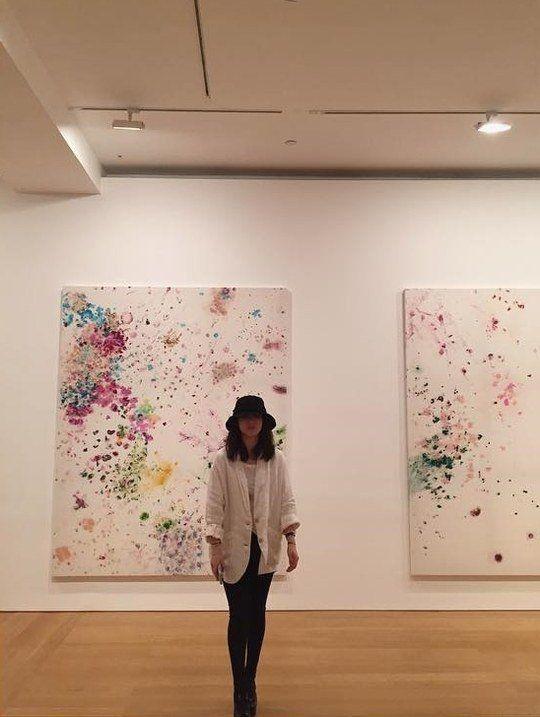 《太陽的後裔》宋慧喬人比畫美   參觀美術館認證照片