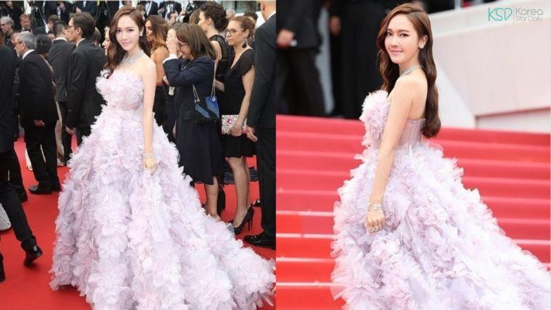 她從偶像到時裝店老闆~這次成為了首個站上坎城電影節紅毯的愛豆!