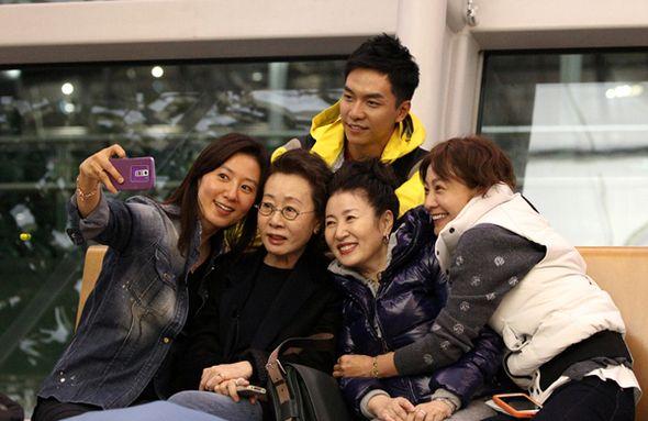 李昇基對《花樣姐姐》首播所感 說笑「事實上並不太想看節目」