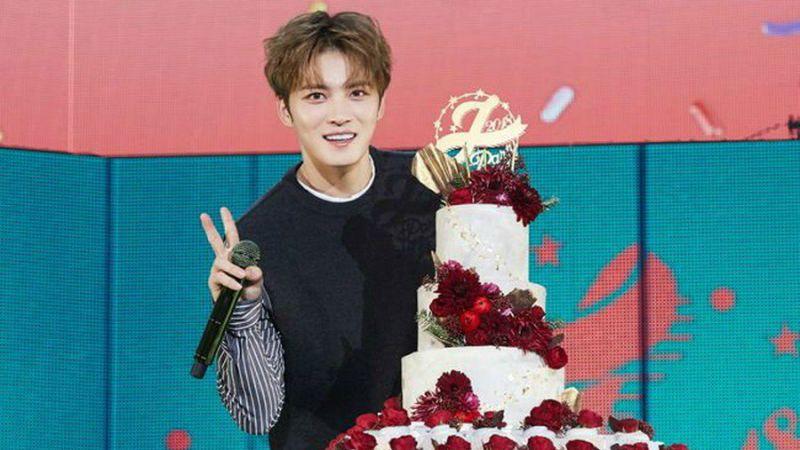 金在中庆生见面会《J-Party》盛大落幕 各国粉丝的祝贺成为亚洲头号话题!
