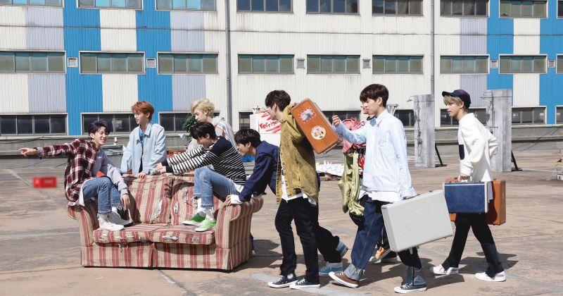 Stray Kids 出道一週年回歸行程滿榜 團綜、海內外巡演接力登場!